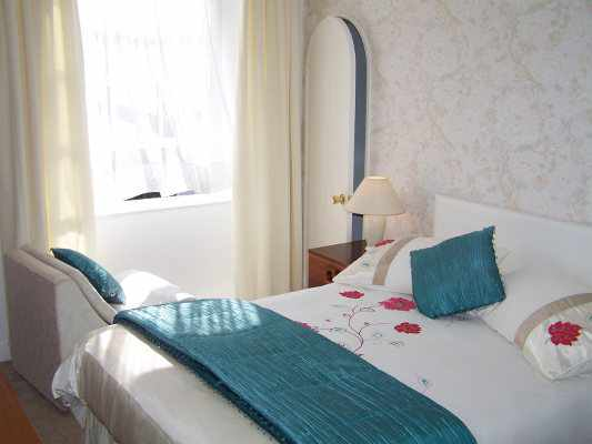 ...elegant Georgian rooms with stylish contemporary furnishings...